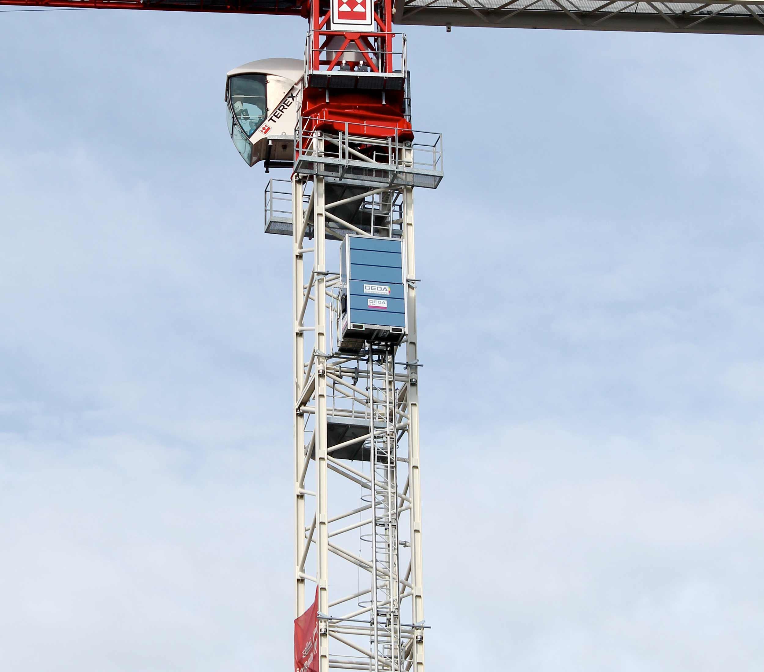 Sehr GEDA: Industrie- & Bauaufzüge vom Experten AC08